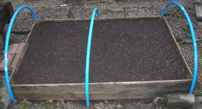 Standard size DIY raised bed